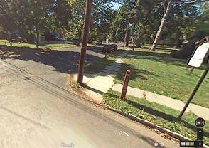 Mercer Avenue Street Marker