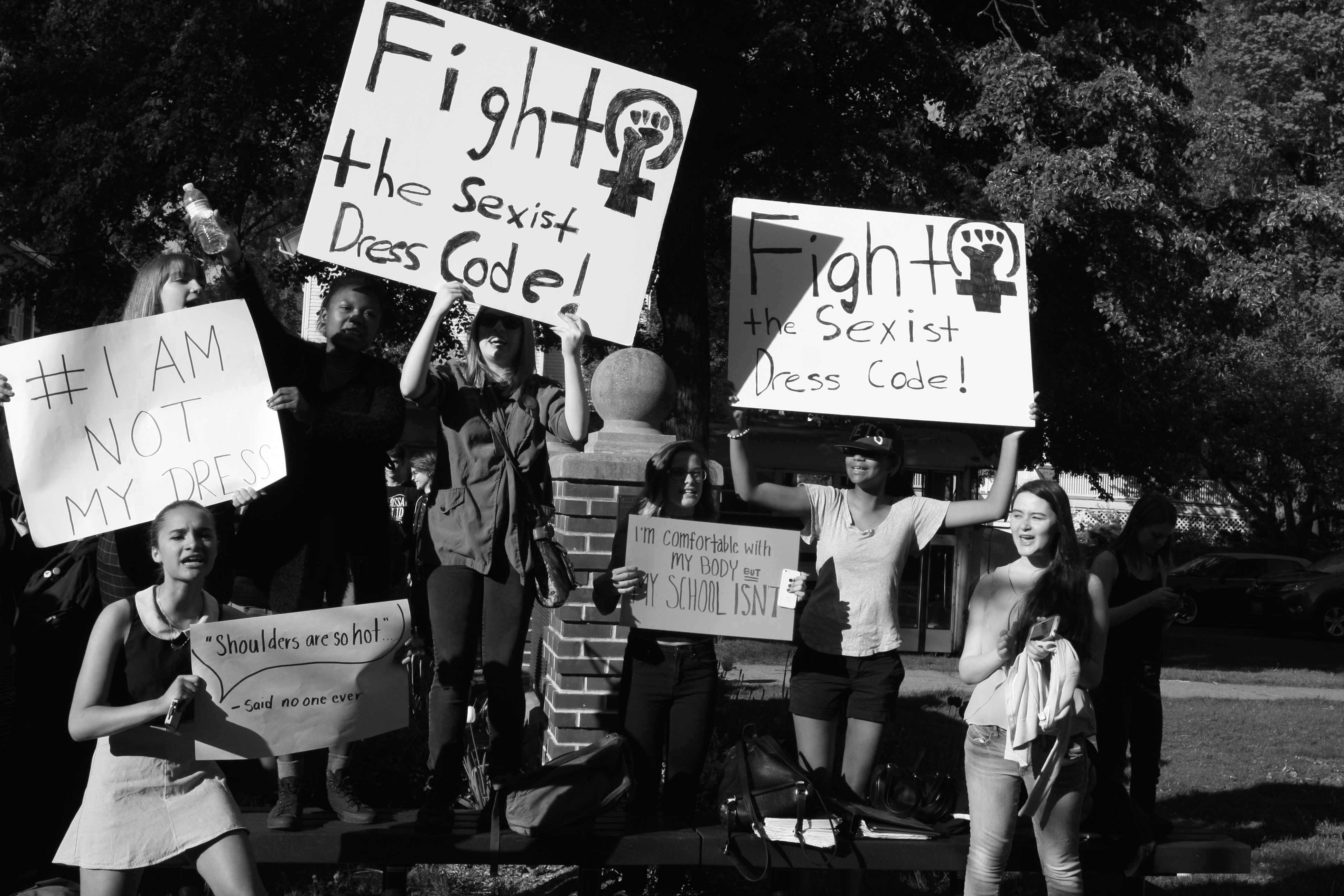 dacf312e2d1ecfbbb5ac_protest.JPG