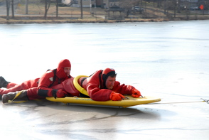 South Plainfield Firefightera Take to the Ice for Rescue Training, photo 2