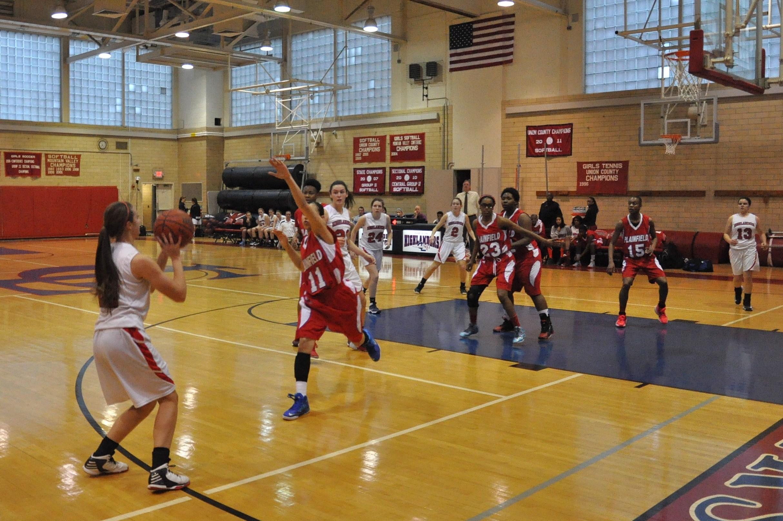 0a6fff37dea3a5d8aadd_girlsbasketball.jpg
