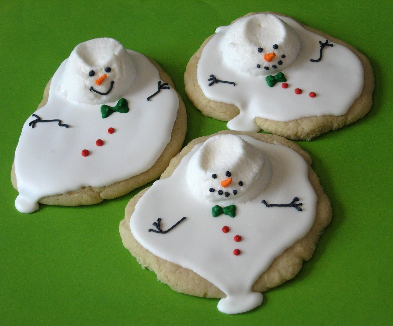 df947486940664c2d101_melted_snowman_cookies.jpg