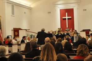 Paul Gomperz conducts the Christmas Band