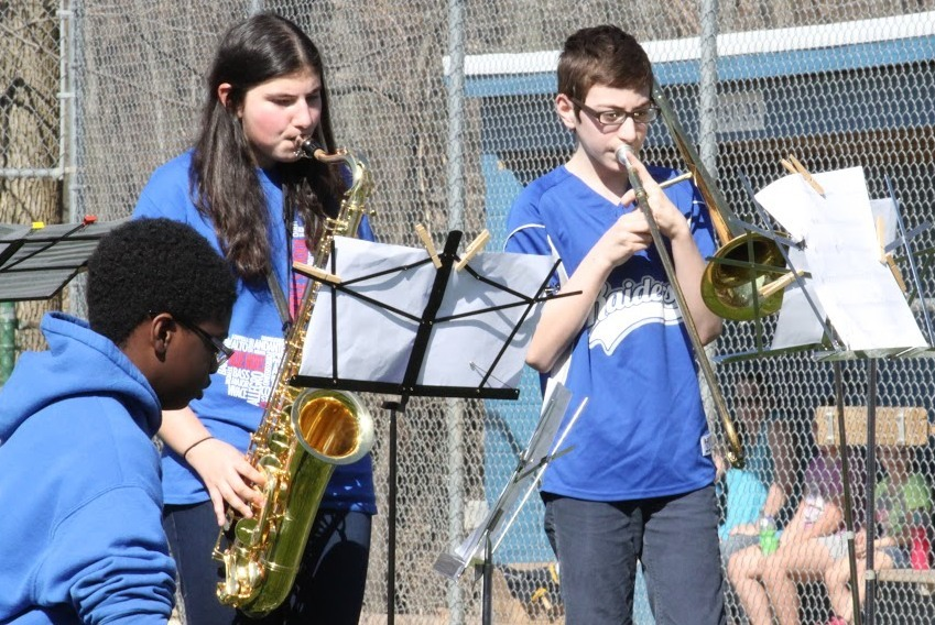 8ac4f7b68d58c76693bf_Park_Middle_School_band_plays_National_Anthem_and_Take_Me_Out_to_the_Ballgame.JPG
