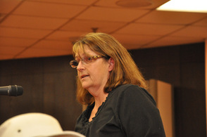 Karen Hardin Kitchel addresses the council about the disruptive properties in town.