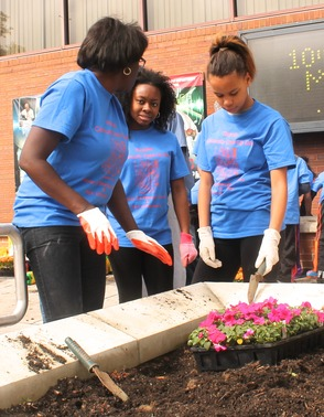Roselle Comes Together for Community Clean Up Day, photo 19