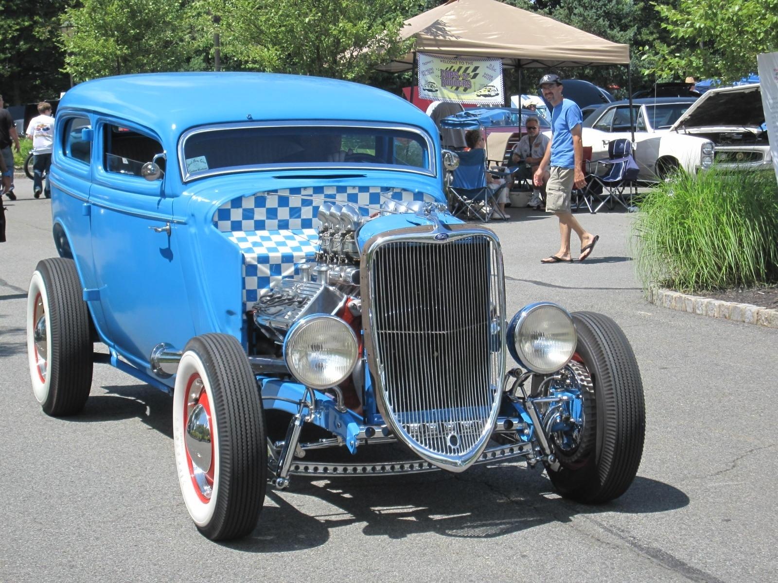 be966d709899ad8bddb3_classic_cars.JPG