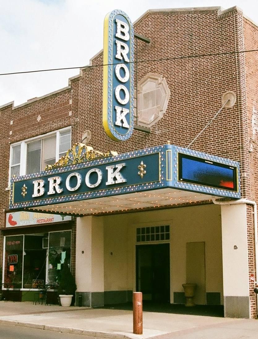 e38cb86d912d7c3193c2_sompixbrooktheater.jpg