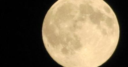 Top_story_8a5587041792a42e143c_supermoon.2014