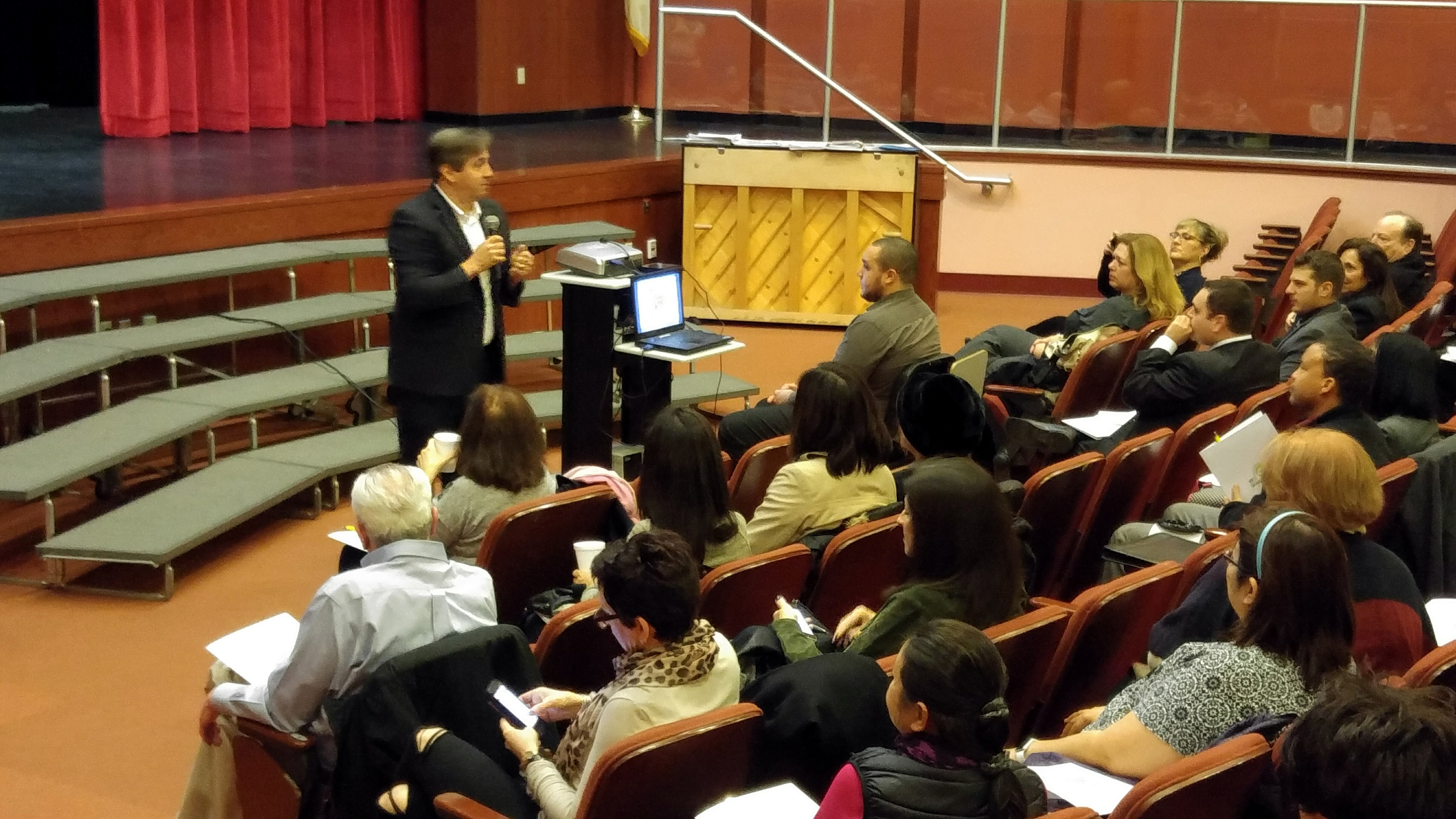 eddf78fad8c548dcefa5_Mayor_Parisi_Addresses_Realtor_Open_House.jpg