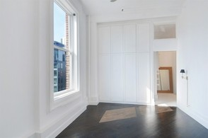Kristen Wiig's Apartment for Sale - Masterbedroom