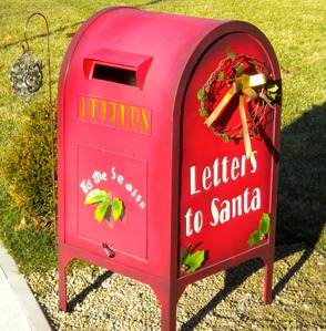 letters to santa mailboxes mail a letter to santa in special chatham mailbox 17925 | carousel image 75f030f7527d33480f17 DSCN4322