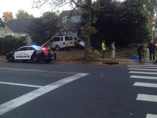 Top_story_3888b984c0bda27eefe1_accident_on_mountain_ave.