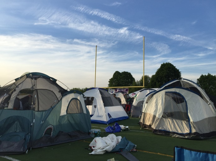 69b8b43398f7a7ba06aa_TENTS_ON_THE_FOOTBALL_FIELD.jpg