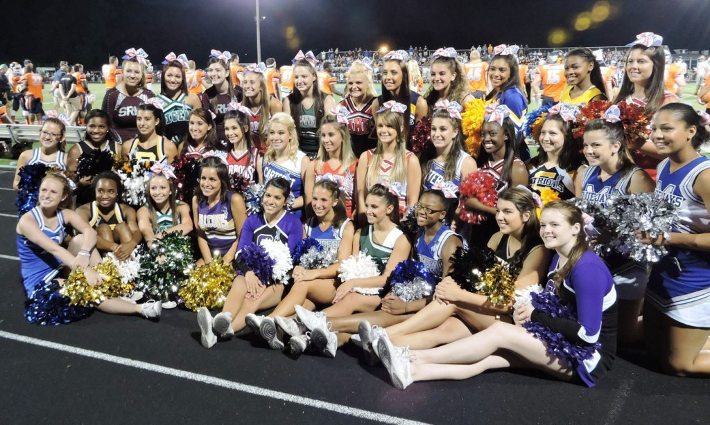 6b7df8b445156eb3829c_3_2014_Snapple_Bowl_Cheerleaders_Middlesex_Group__2__Small.jpg