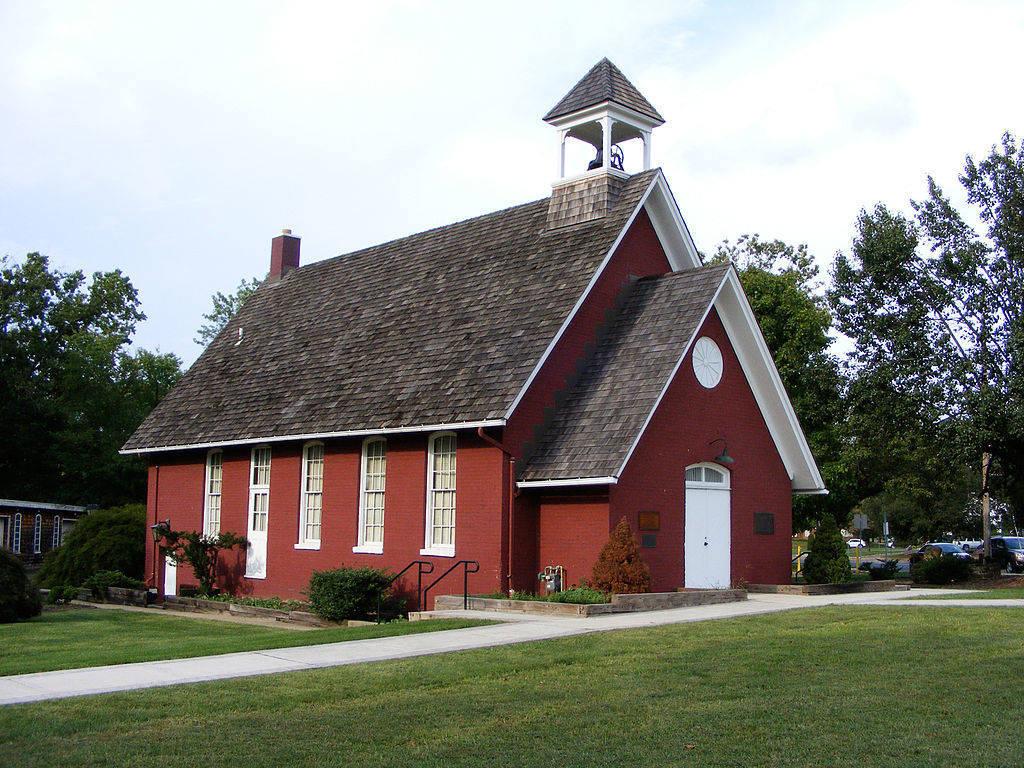 0e94758e50fbadf4932d_1024px-Florham_Park_NJ_Little_Red_Schoolhouse.jpg