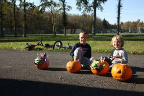 "Pearly Whites ""Brought Smiles"" To Pumpkin Carving Event, photo 14"