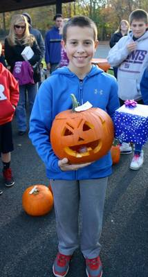 "Pearly Whites ""Brought Smiles"" To Pumpkin Carving Event, photo 8"