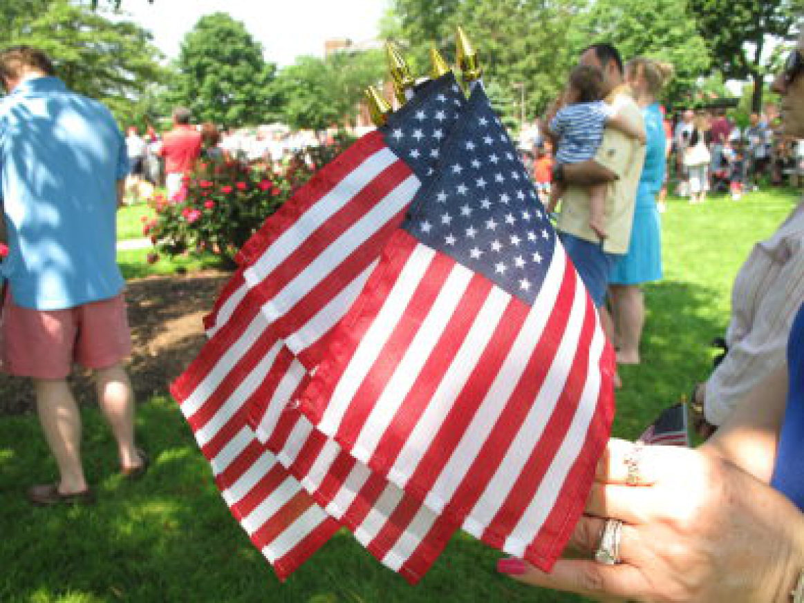 bb5d00d25559732371f4_mem_day.jpg