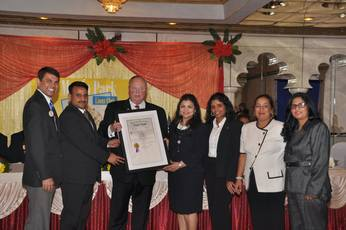Top_story_723a927cffed8e5c0809_receiving_the_charter_from_pid_ed_president_varsha