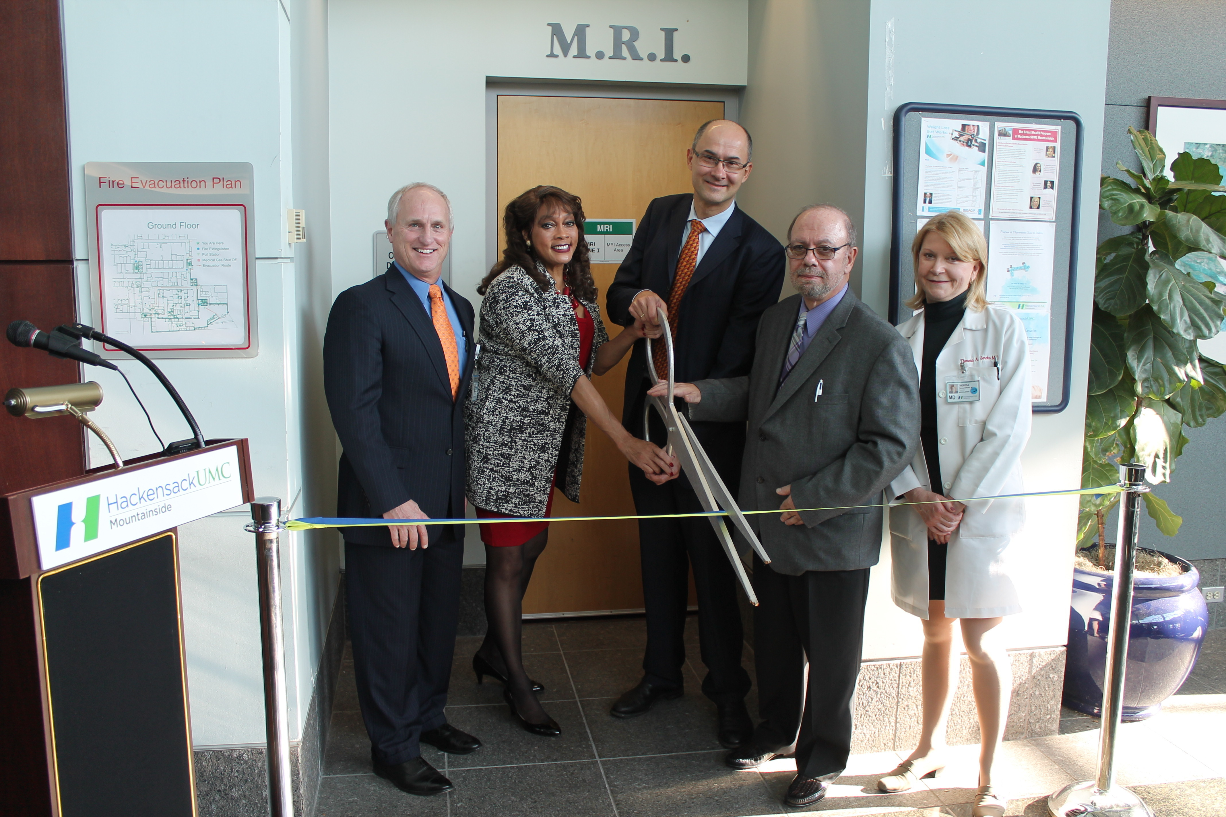 1c6623c336cdf4400c2b_MRI_Ribbon_Cutting_12.10__3_.jpg