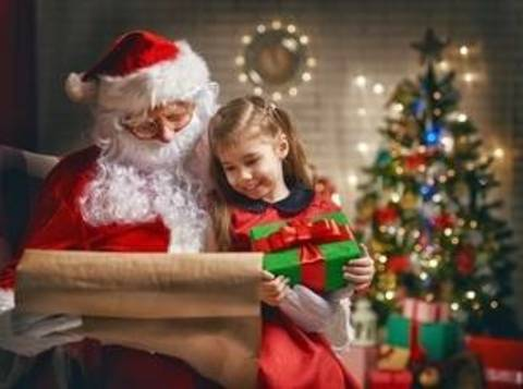 Holiday magic has returned to Livingston Mall as the Santa Photo Experience is now open and greeting bright-eyed visitors with their wish lists.
