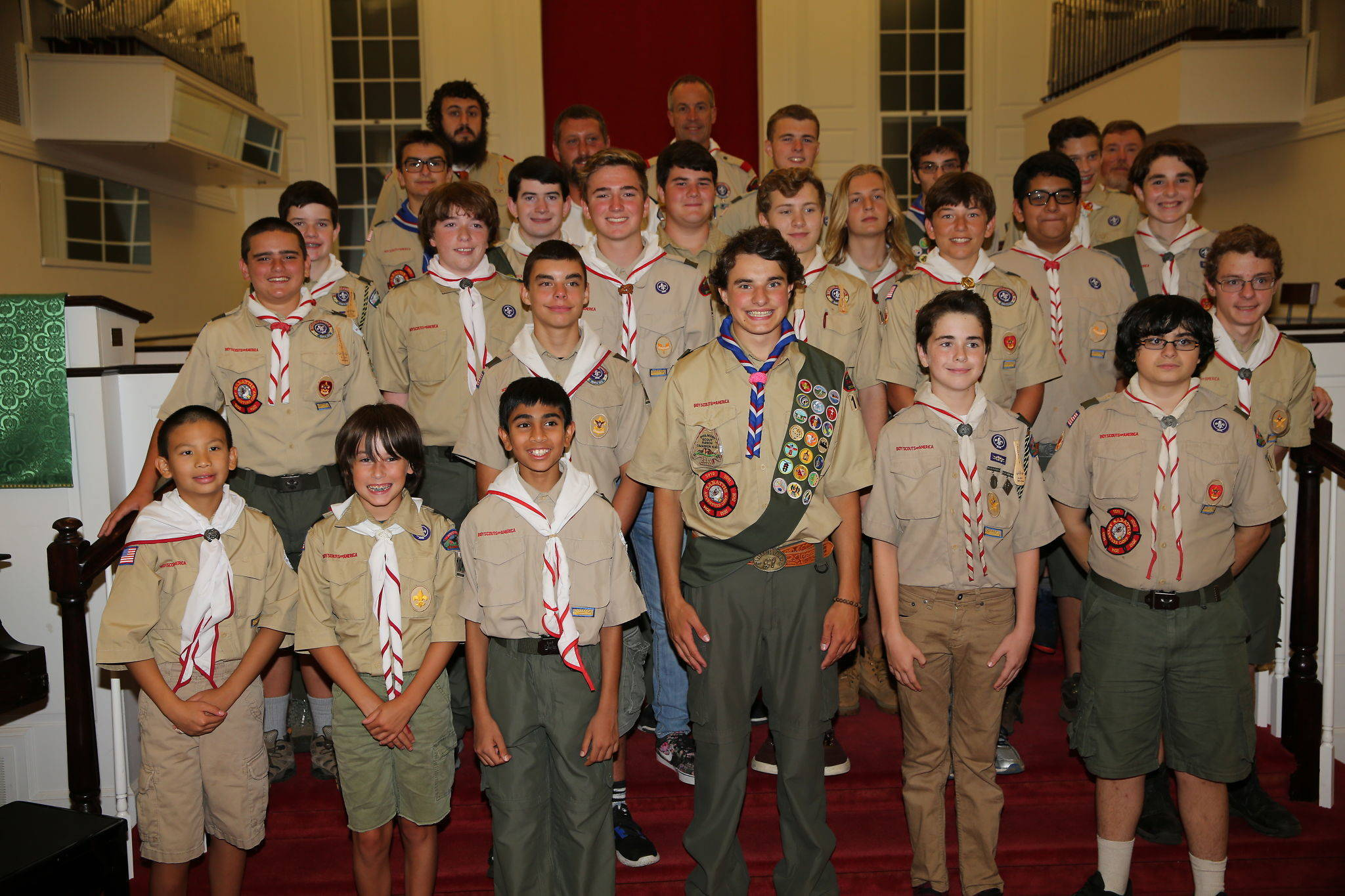 c12eab6cf744498b9369_Ian_Gordon_Eagle_Troop_104_group_shot.jpg