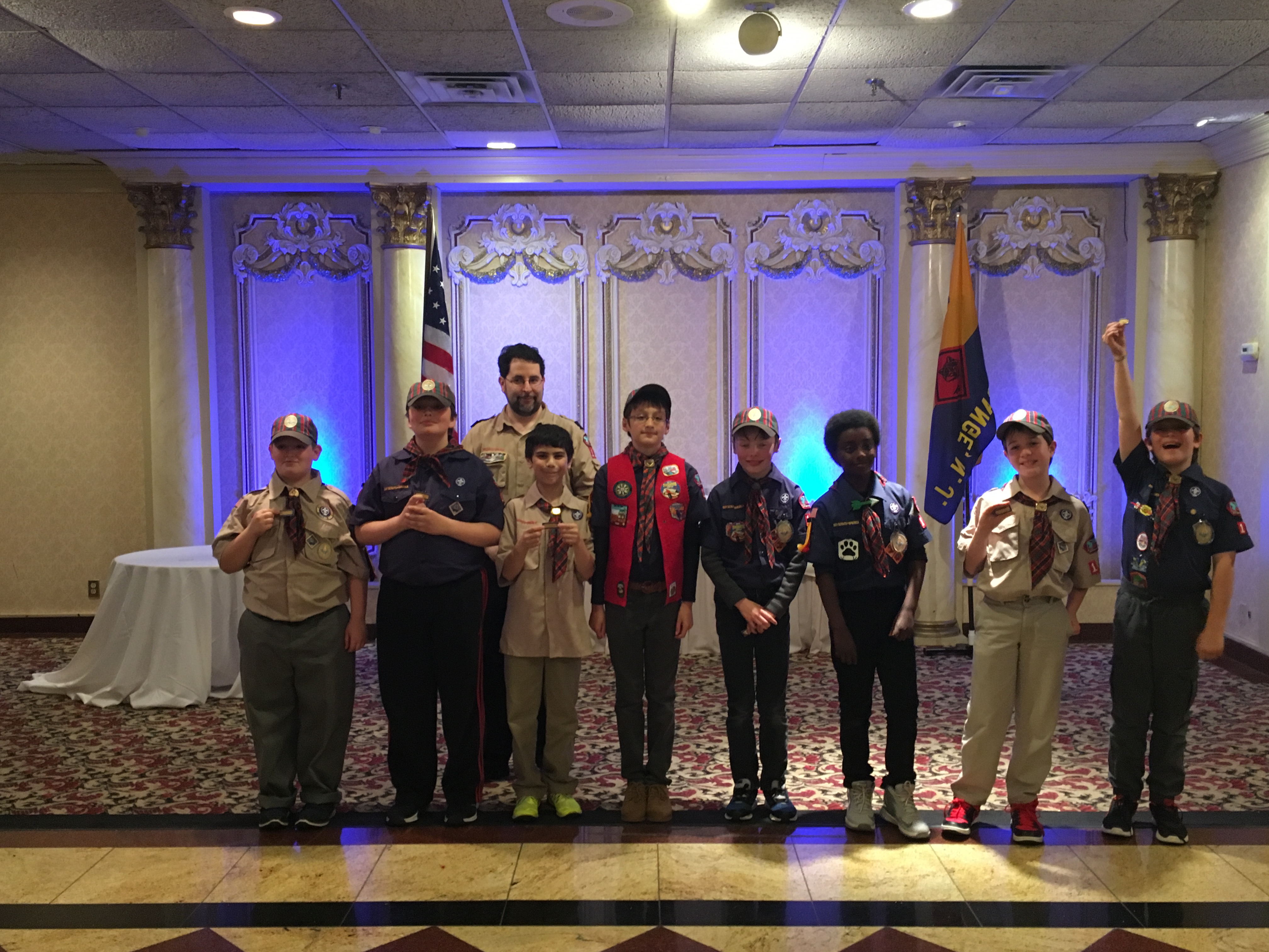 437f3608b2fdf6611884_f2a2f2209e4ed6265e43_Cub_Scouts_Pack_107_Congratulates_Weblos_in_Boy_Scout_Moving_Up_Ceremony.jpg