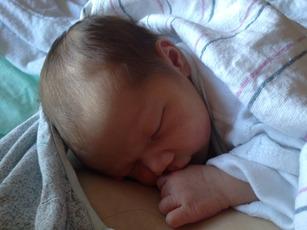 Top_story_8b2b4ecf021b5018a451_baby_born_in_fanwood_10-24-14