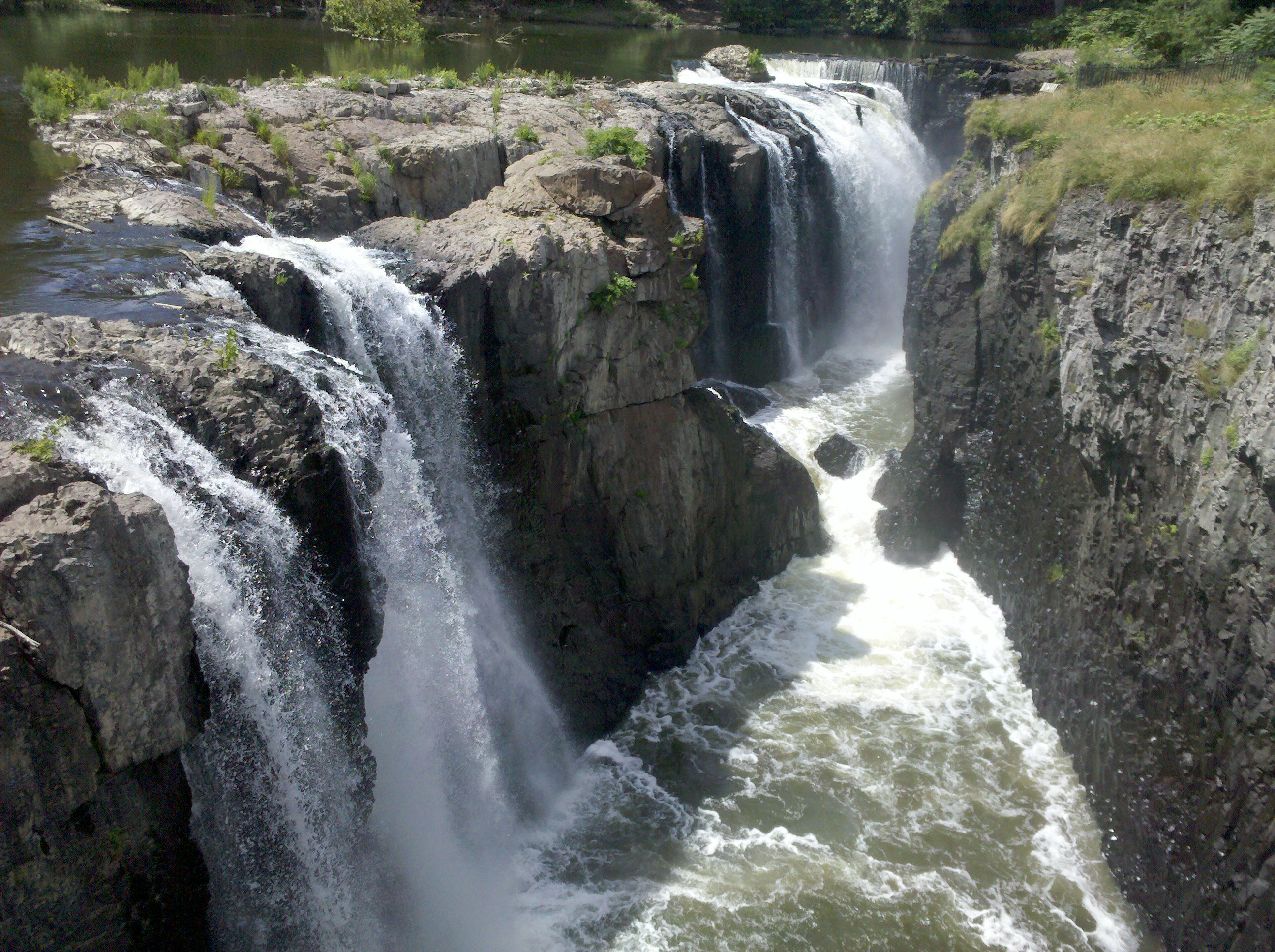 great falls Great falls park is a natural landmark along the potomac river near washington, dc find out about hiking, picnicking, kayaking, and more.