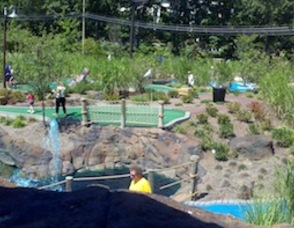 Great New Jersey Staycation Destination – The South Mountain Recreation Complex – A Visit To The Turtle Back Zoo And Essex County miniGOLF Safari Photo