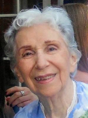 Obituary_3985b402454441b9b784_lucretia