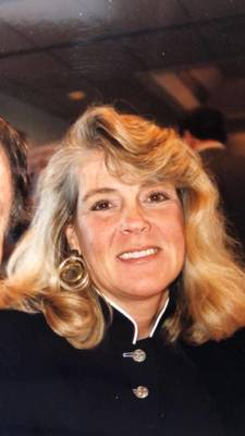 Obituary_50a5d07a8485e9cc0631_lynne_bransfield_website_picture
