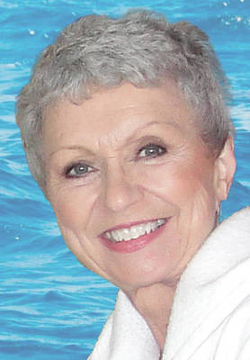 Obituary_778028cffeb9a74fc426_betsy_ocean_1_bg