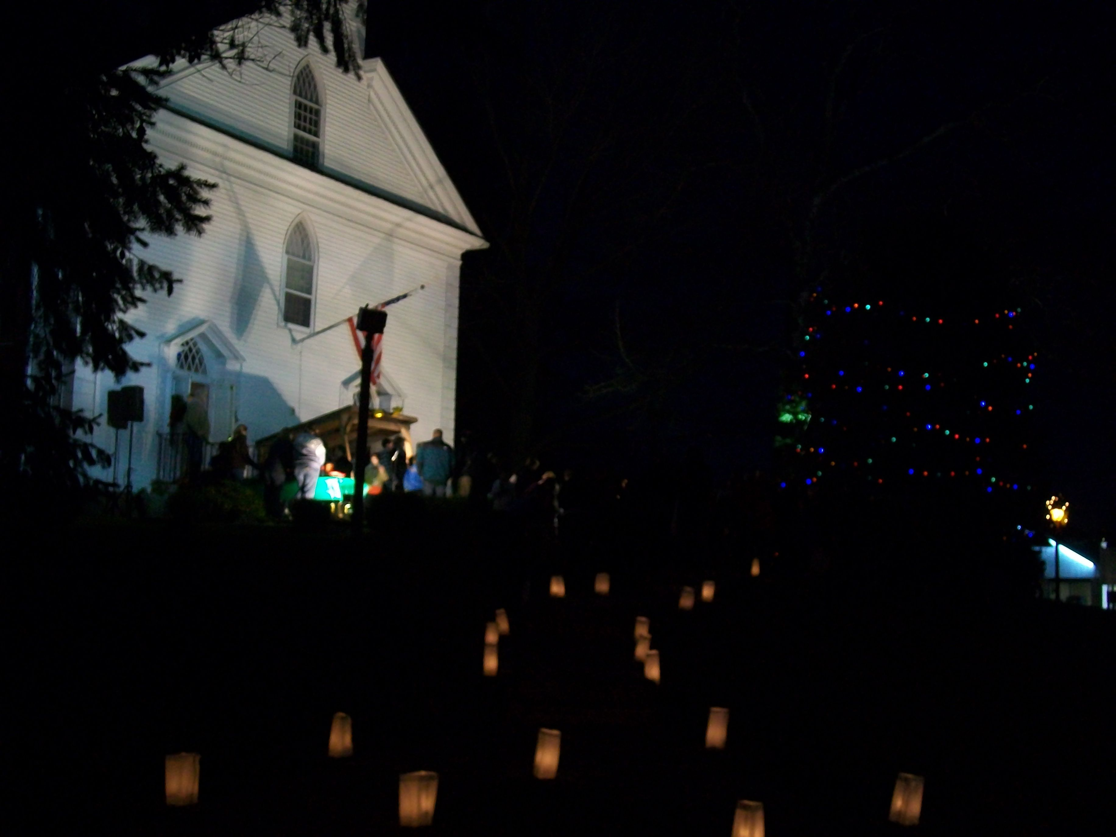 28d5c1fee414e09eed3a_candles_light_the_path_at_the_new_providence_presbyterian_church.jpg