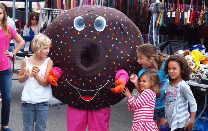 5e9980f63b190d02df84_street_fair_donut.jpg