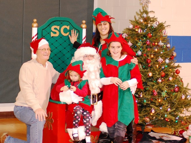 5eb273a1643a365f2217_summit_christmas_tree_lighting_12-4-11_161.jpg