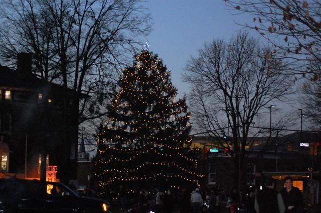 62fdbdbb313f235d6db7_summit_christmas_tree_lighting_12-4-11_108.jpg