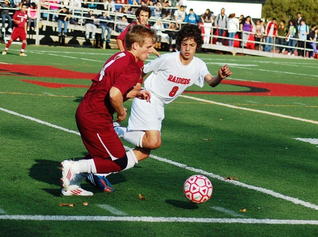 758a316f3d35af3074d8_madison_at_cliffside_park_boys_soccer_11-12-12_017.jpg