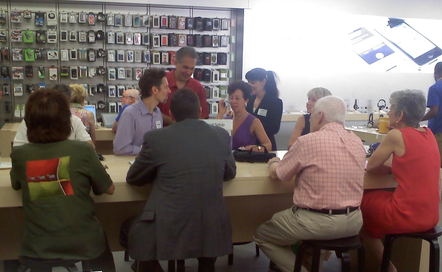 762efe24ab0d3f606c1a_mobile_banking_workshop.jpg