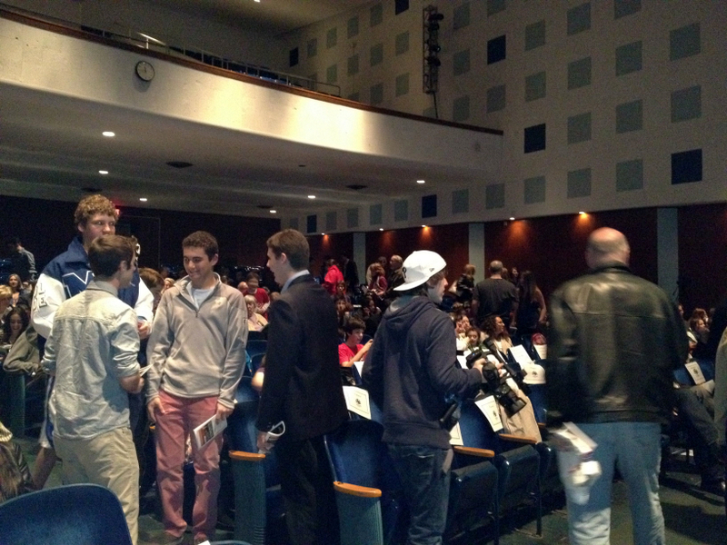 7c41bc85f4e0f516574a_audiences_await_the_premiere_of_the_millburn_film_festival.jpg