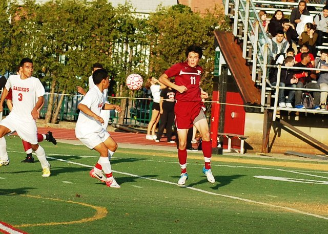 90f9b187e83fbf9f5afc_madison_11__at_cliffside_park_boys_soccer_11-12-12_075.jpg