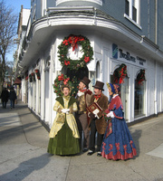 91334e279cd9f869a2ee_carolers.jpg