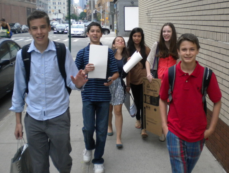 935094b9e10a9c0ede71_ris_students_walking_in_nyc_after_penguin_publisher_visit.jpg