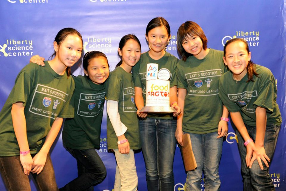 9dbf848ca1e423937aa5_exit_5_robotics_wins_overall_champion_s_award.jpg