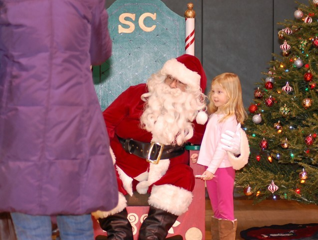 aa7a2baa7a98e8acd720_summit_christmas_tree_lighting_12-4-11_114.jpg