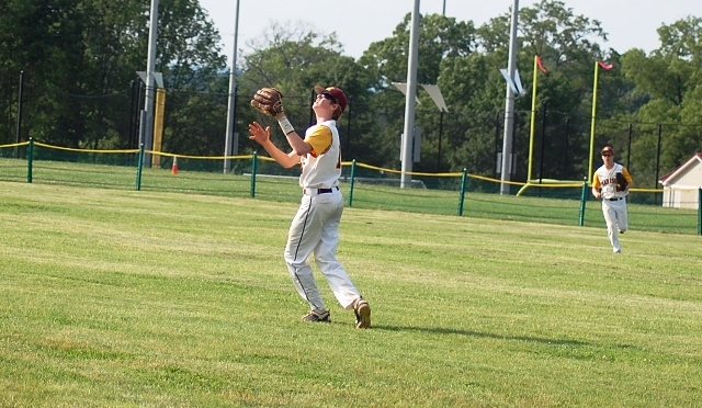 b490a79ce583f3b0c956_lyndhurst_at_madison_baseball_state_playoffs_5-29-12_091.jpg