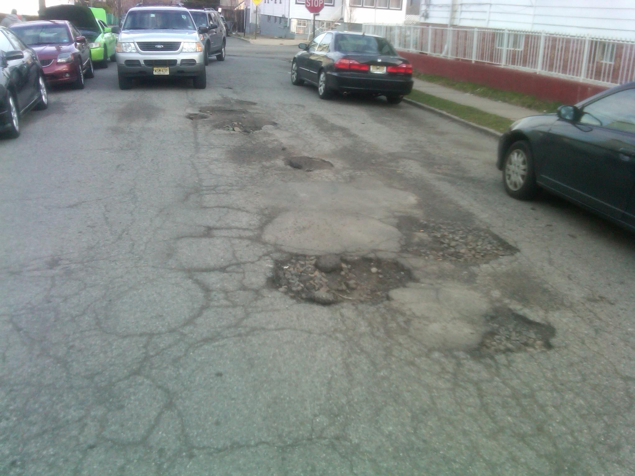 d0d88694516a85799aaf_potholes.jpg