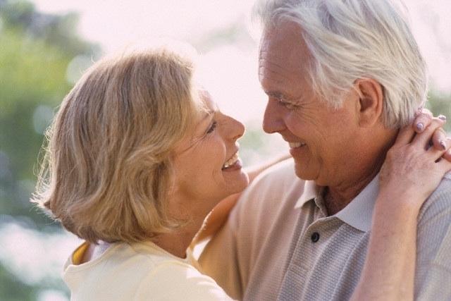 d5c5b700324a1c266775_seniors_in_love.jpg