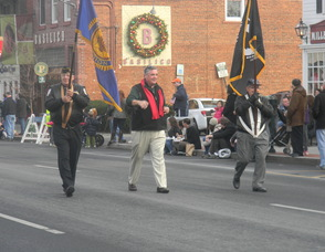 veterans walking in the parade