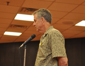 Kent Hardmeyer of the town's shade tree commission speaks in favor of the tree bank ordinance.
